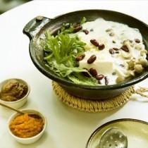 野菜料理家考案☆刻み薬味の豆乳湯豆腐