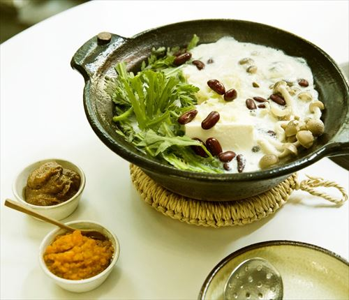 野菜料理家考案 刻み薬味の豆乳湯豆腐