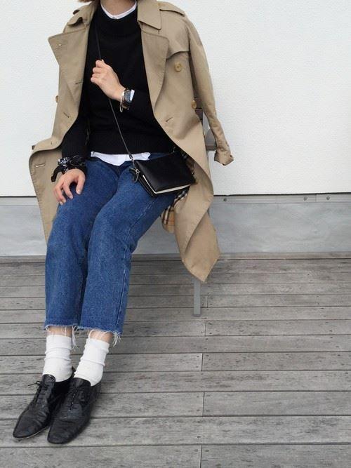 ベージュのトレンチコートを着こなす女性の人気画像5