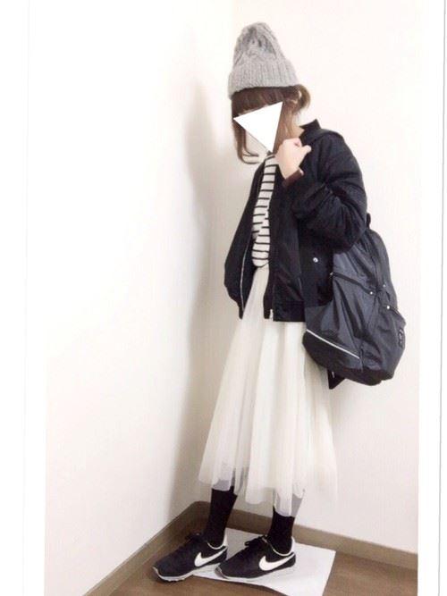 白・オフホワイトのチュールスカートを使った春夏コーデ画像2