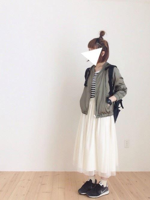 白・オフホワイトのチュールスカートを使った春夏コーデ画像6