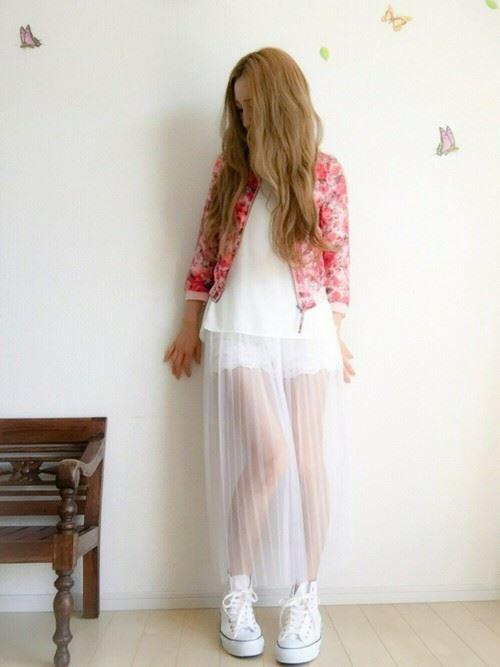 白・オフホワイトのチュールスカートを使った春夏コーデ画像10