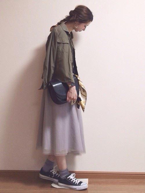 グレー・パープルのチュールスカートを使った春夏コーデ画像6