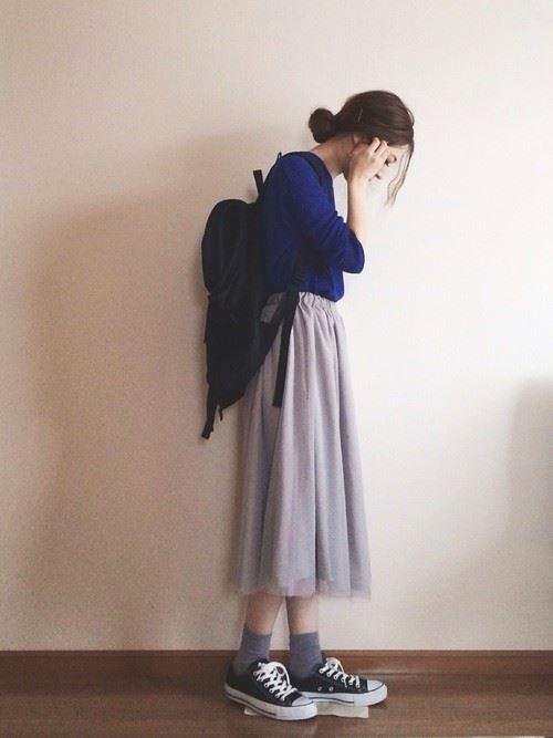 グレー・パープルのチュールスカートを使った春夏コーデ画像7