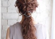 トレンドのヘアアクセサリー「マジェステ」を使ったヘアアレンジ画像1