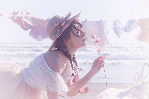 アイブロウパウダーでモテ可愛いメイクを手に入れた女性の画像