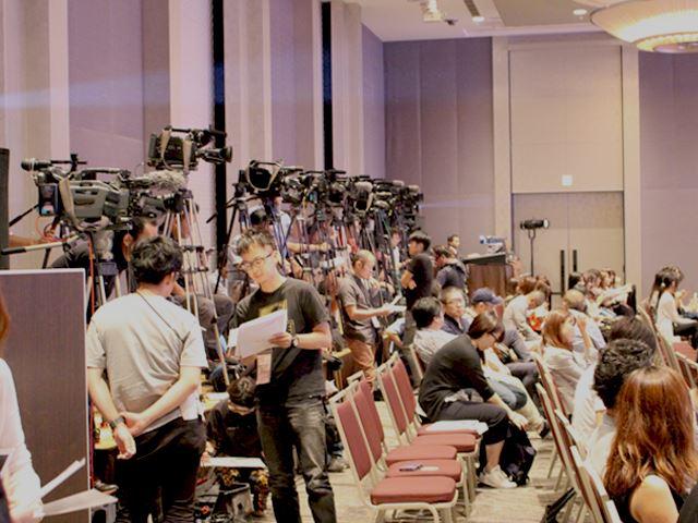 オスカープロモーション「第一回ミス美しい20代コンテスト」授賞式の画像1