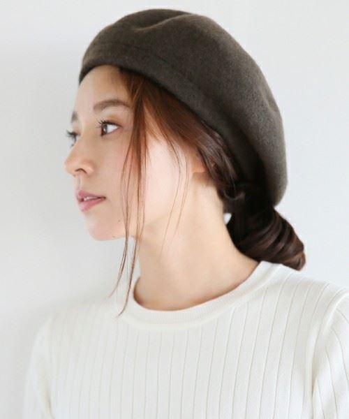 トレンドのベレー帽をかぶった女性の頭部画像