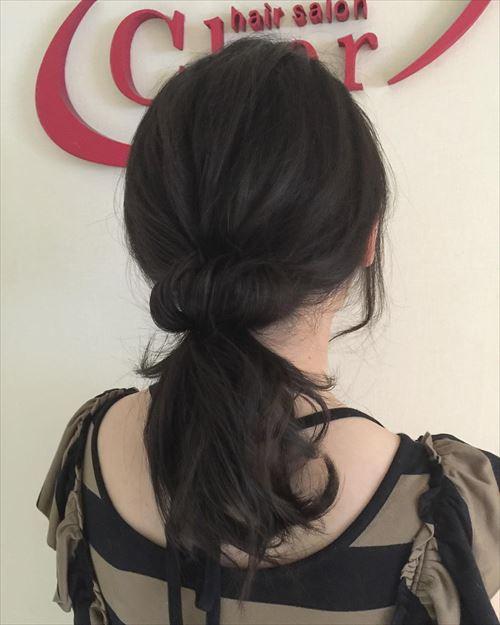ドーナツポニーテールのオシャレ可愛いヘアアレンジ画像3