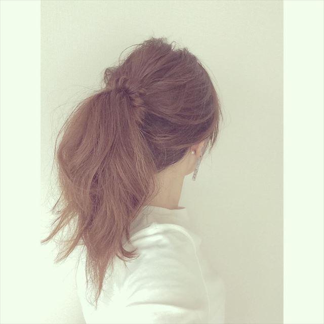 ドーナツポニーテールのオシャレ可愛いヘアアレンジ画像7
