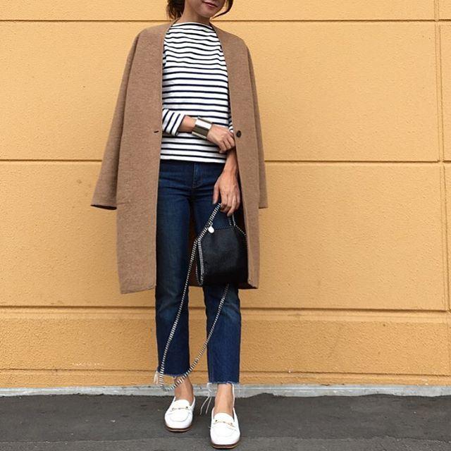 2016-2017レディーストレンドファッションを代表するコーディガンを着こなした女性のコーディネート画像