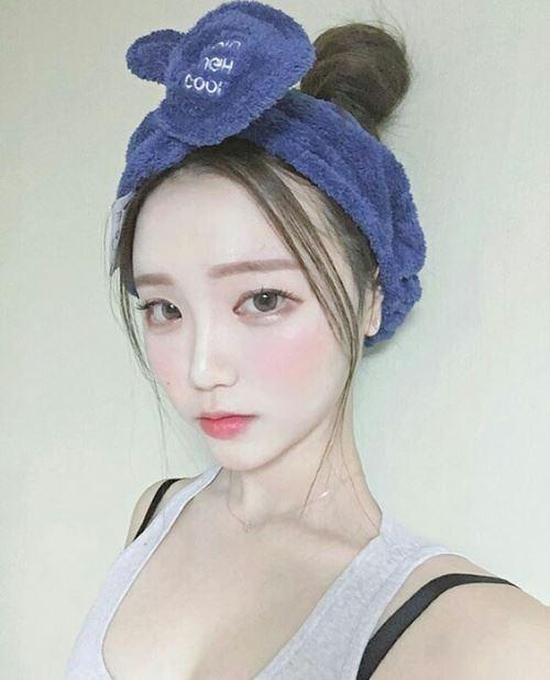 代表的なオルチャンメイクの韓国美人女性の画像1