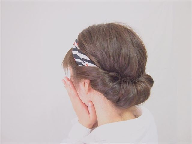 スカーフ×編み込みアレンジで作った髪型画像3