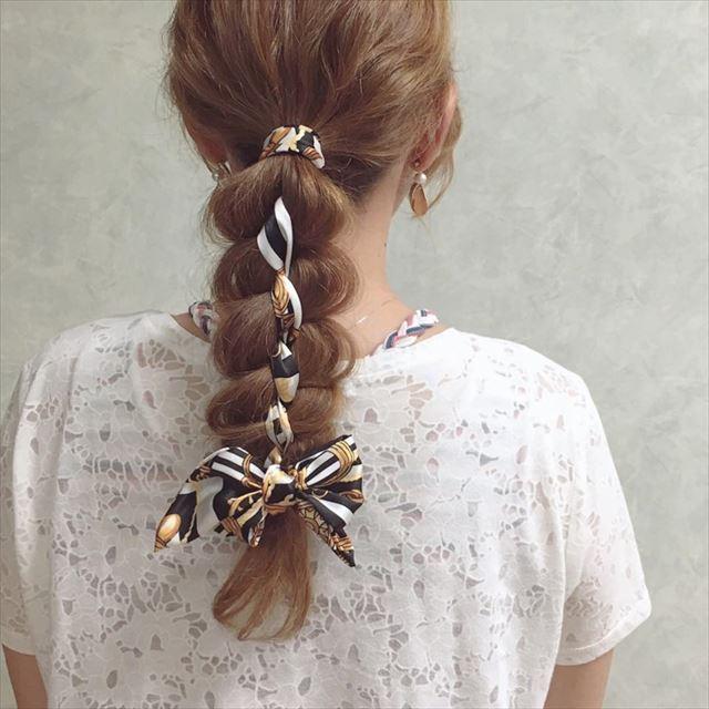 スカーフ×編み込みアレンジで作った髪型画像6