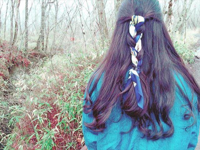 スカーフ×編み込みアレンジで作った髪型画像8