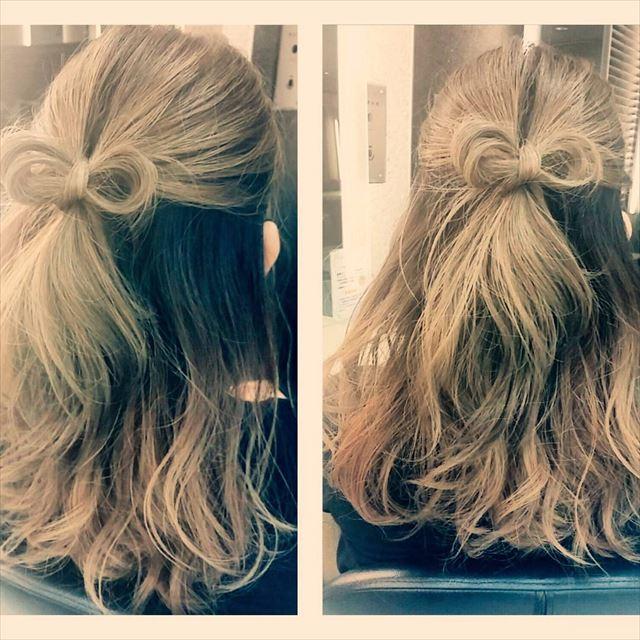 リボンアレンジで作るハーフアップヘアの髪型画像2