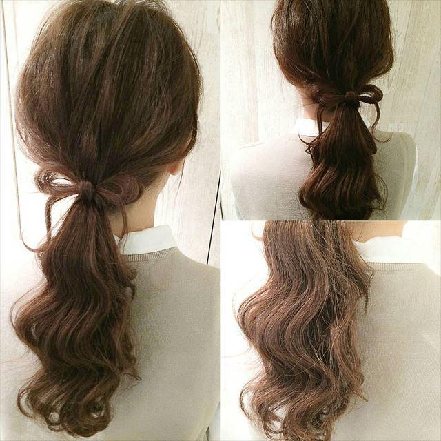 リボンヘアで作るローポニーテールアレンジの髪型画像1