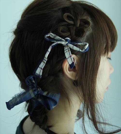 リボンをヘアアクセに使ったヘアアレンジの画像4