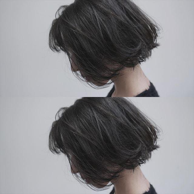 流行の髪色アイスグレーのヘアカラーサンプル画像2