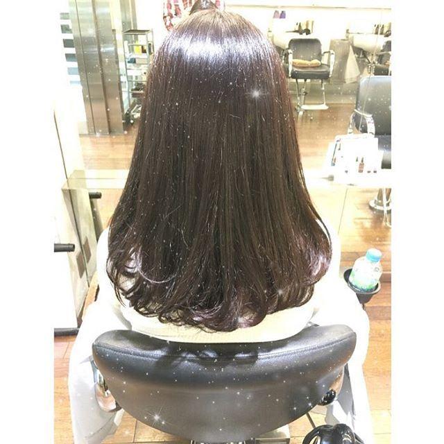 流行の髪色アイスグレーのヘアカラーサンプル画像6