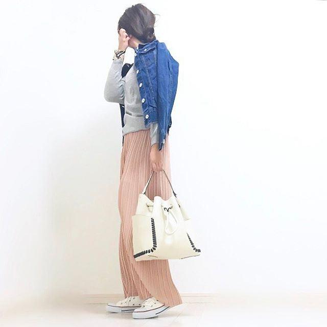 GUのパラッツオパンツを着こなした春夏コーディネート画像1