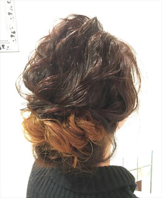 シニヨンじょうずを使って作りたいヘアアレンジ画像4