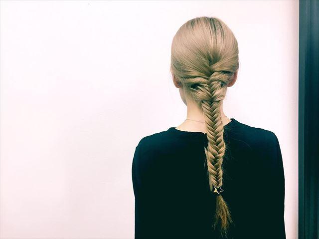 代表的なフィッシュボーンのヘアアレンジ画像