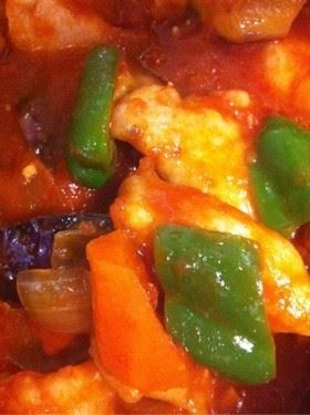 下味冷凍保存胸肉でチキンのトマト煮込み