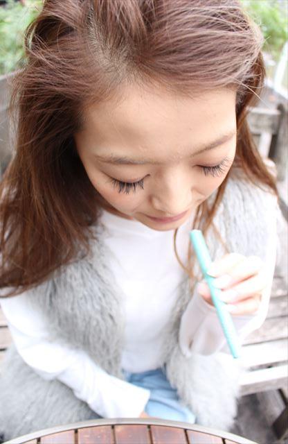 ビタフルメンソールミント味を吸うモデルの画像
