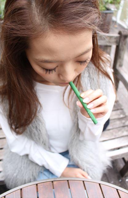 ビタフルグアバフルーツ味を吸うモデルの画像