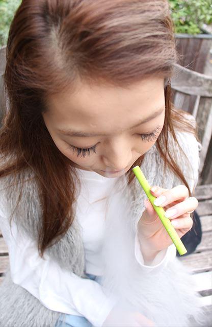 ビタフルマスカットメンソール味を吸うモデルの画像