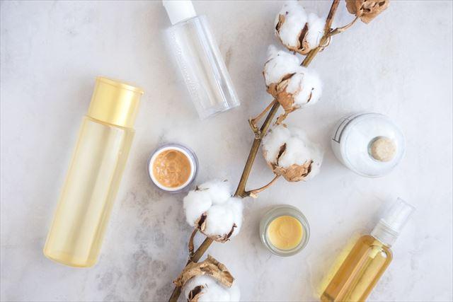 オールインワンジェルと化粧水と乳液の画像
