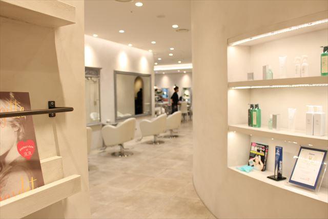 青山・表参道エリアの人気美容室ZACC(ザック)の店内風景画像