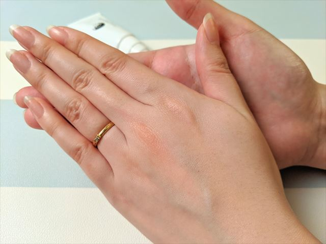 ピンキッシュボーテを塗った手の甲の画像