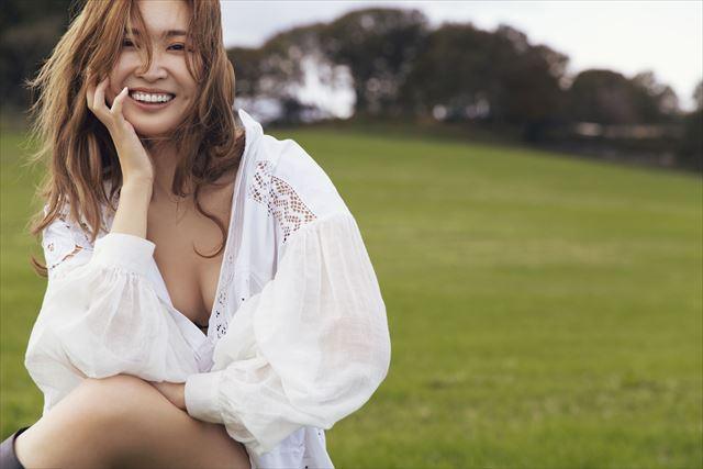 セルノートイメージモデルの紗栄子さんの画像1